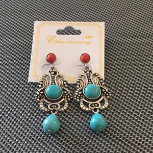 NWT Turquoise Stone Antique Post Earrings